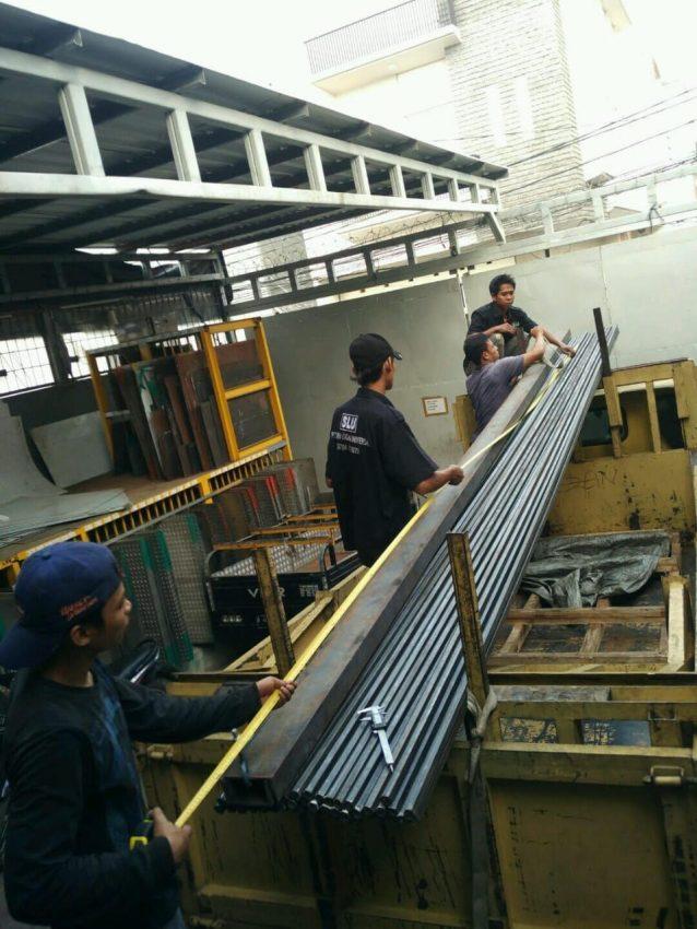 loading-material-logam-siap-kirim